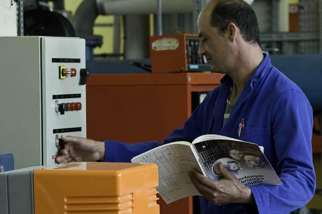 Devenez technicien de maintenance d'équipements de chauffage, de climatisation et d'énergies renouvelables