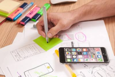 CONCEPTEUR D'APPLICATIONS POUR IPHONE ET IPAD